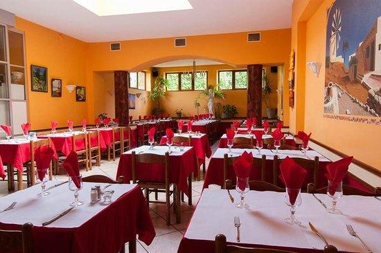Top 10 Interior Design Tips for Restaurant Interior Designing ...